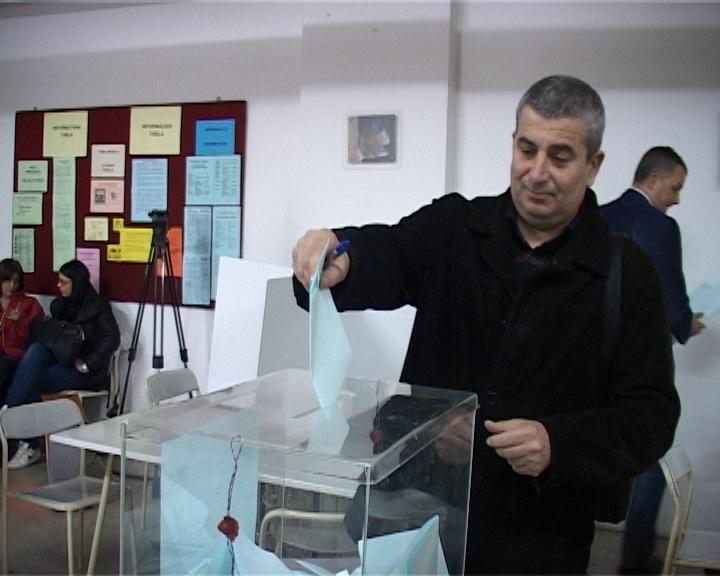 Dosadašnji poverenik Srpske napredne stranke (SNS) u Subotici Bogdan Laban jednoglasno je izabran za predsednika Gradskog odbora ove stranke. Za Labana je glasalo svih 118…