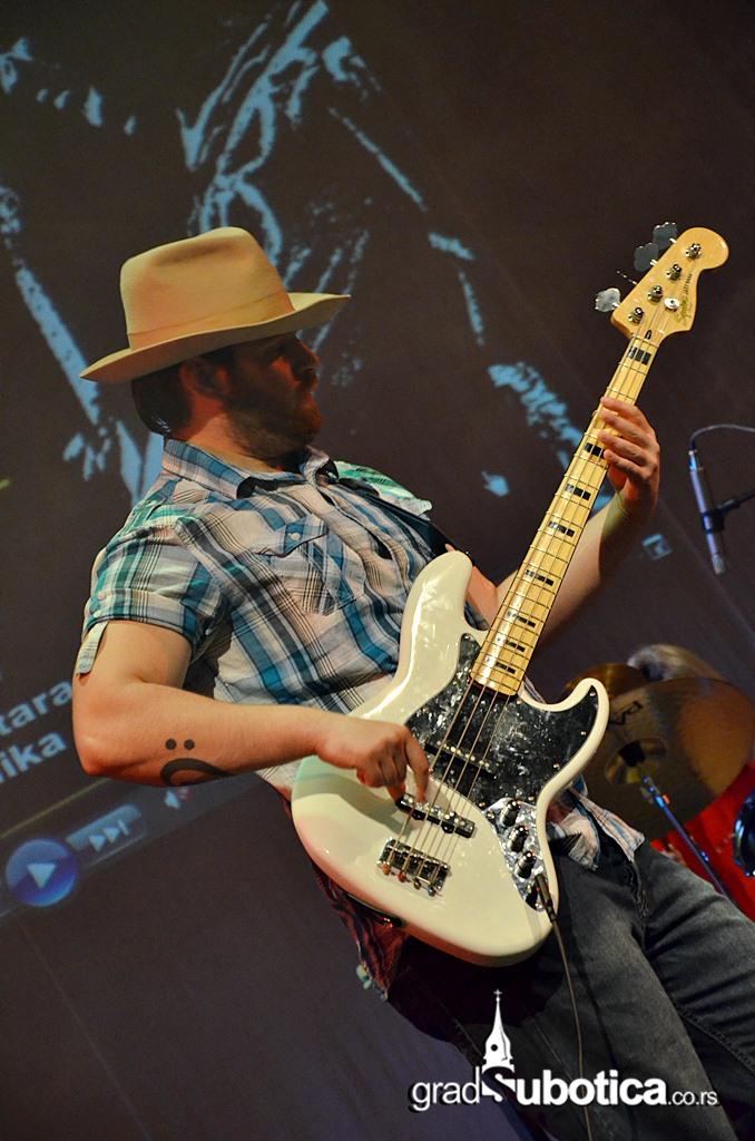 Scena Jadran - Jimi Hedrix tribute band (6)