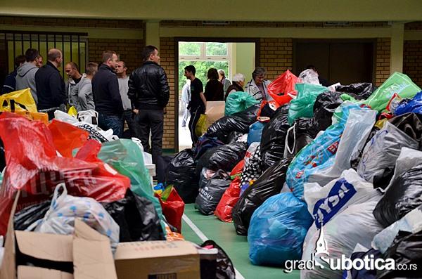 Tehnicka skola humanitarna pomoc poplave (2)