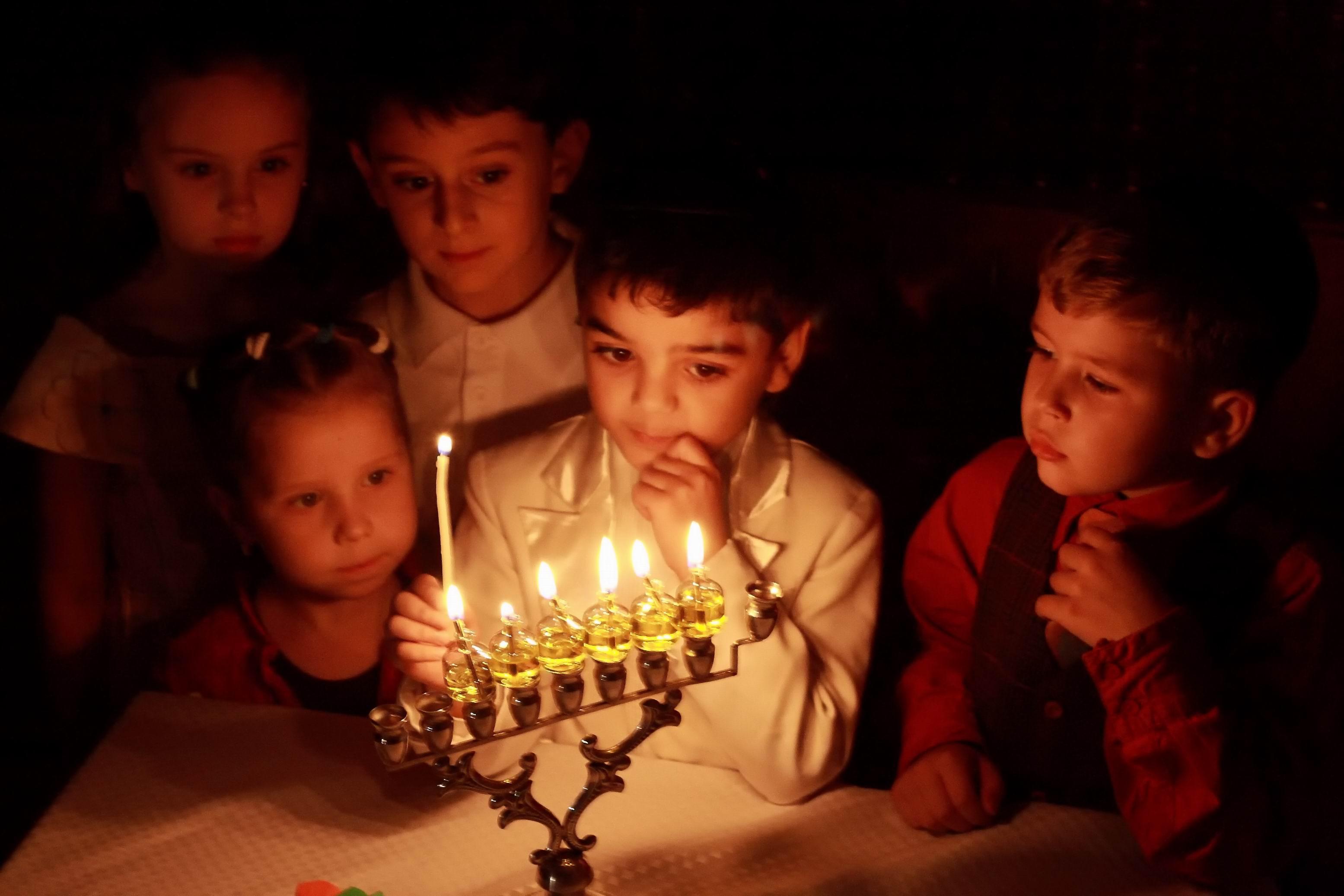 JDC-Hanukkah-2009 (4).jpg