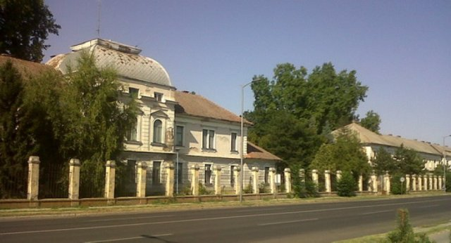 """Grad Subotica je već ranijih godina izrazio spremnost za kupovinu vojnog kompleksa-kasarne """"Kosta Nađ"""" u Subotici. Na osnovu zakonskih propisa postupak u vezi pribavljanja navedene…"""