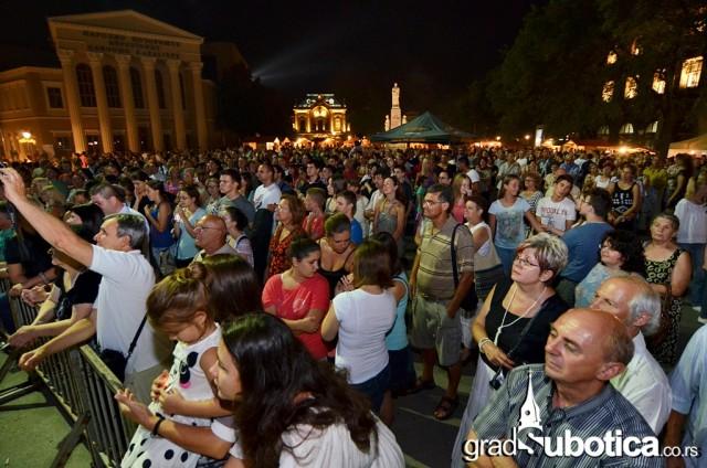 Trg slobode dan grada 2015 suboticka filharmonija (30)