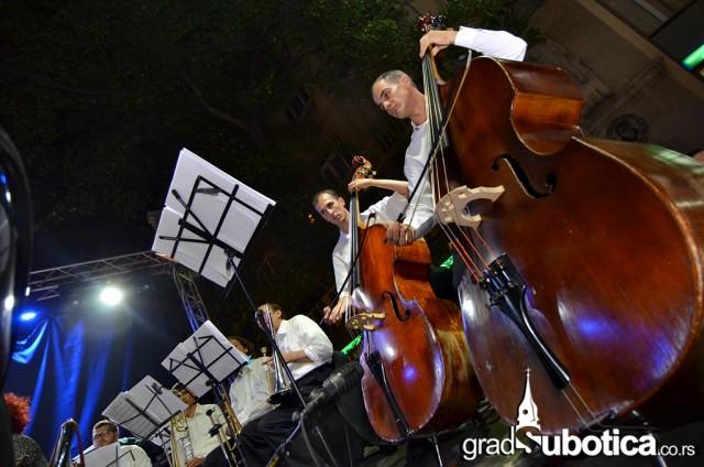 Trg slobode dan grada 2015 suboticka filharmonija (32)