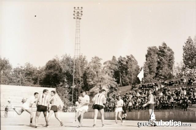 mali-stadion-2
