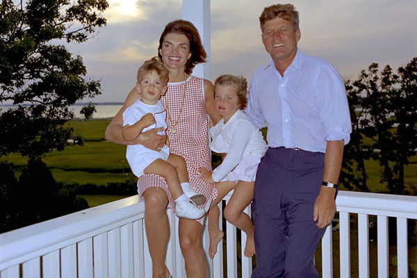 JFK-Jackie-kids-John