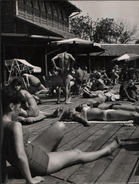 zenski strand sezdesetih